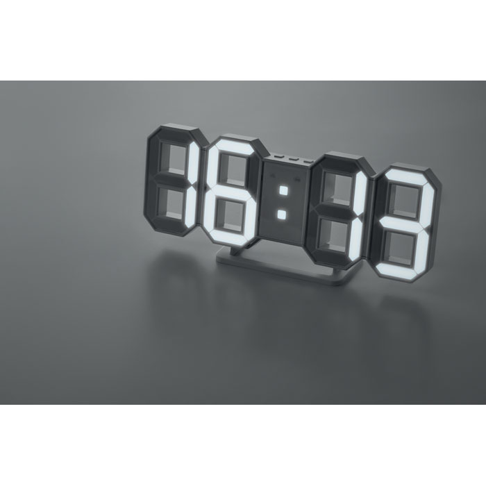 Reloj LED con adaptador AC COUNTDOWN