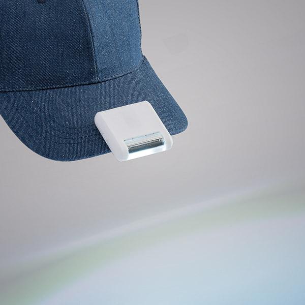 Linterna. ABS. Ideal para gorras. Con LED COB
