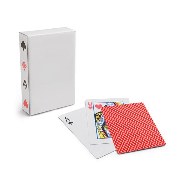 Baraja de 54 cartas. Papel plastificado. En caja de papel.