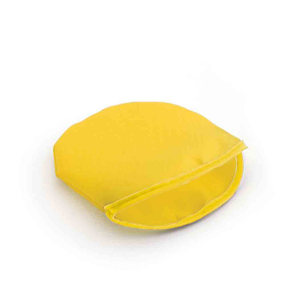 Frisbee pliable.